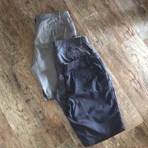 ✨like new✨ 3 pairs of Men's dockers shorts